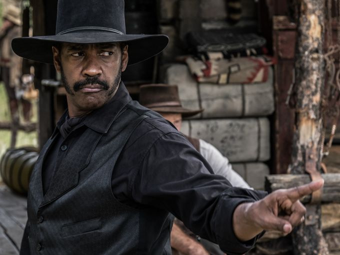 first-photos-from-the-magnificent-seven-remake-with-chris-pratt-and-denzel-washington3