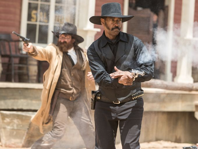 first-photos-from-the-magnificent-seven-remake-with-chris-pratt-and-denzel-washington4