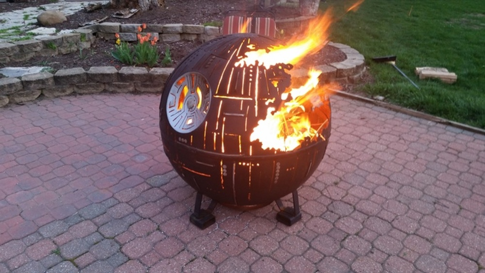 this-death-star-fire-pit-was-created-by-a-high-school-welding-class