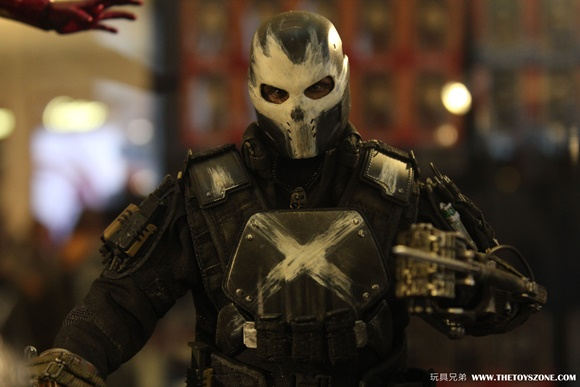 first-look-at-hot-toys-crossbones-civil-war-action-figure