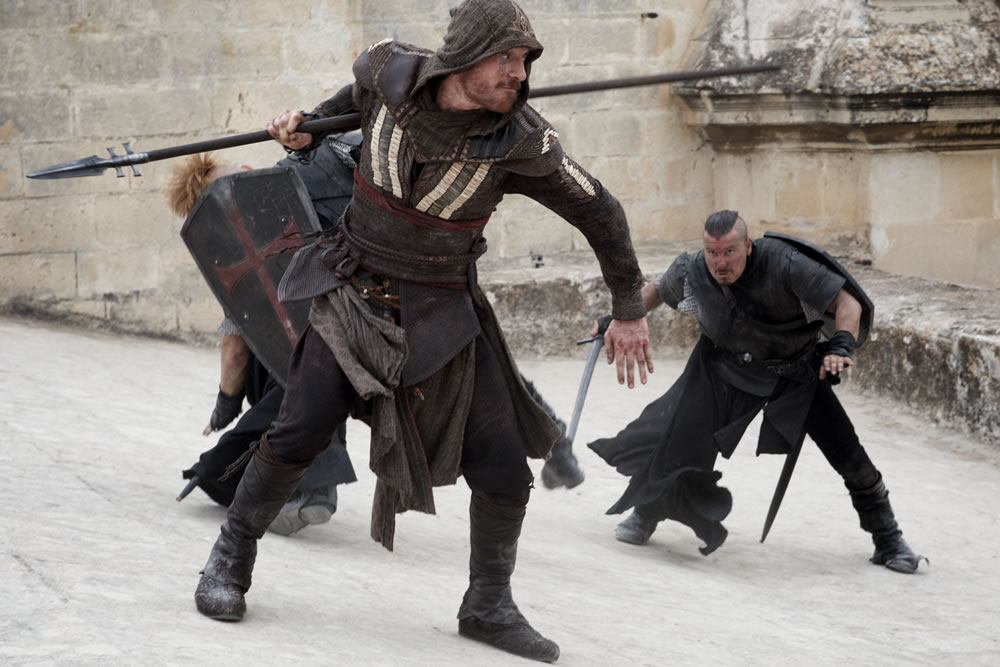 2-new-photos-from-assassins-creed-with-michael-fassbender