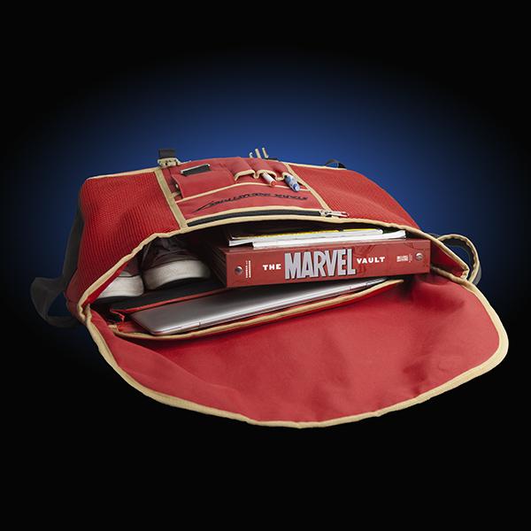 itnn_iron_man_messenger_bag_inside.jpg