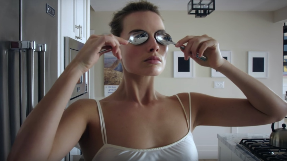 watch-margot-robbies-american-psycho-morning-routine-video-for-vogue