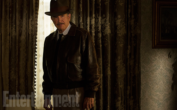 first-look-at-warren-beatty-as-howard-hughes-in-rules-dont-apply