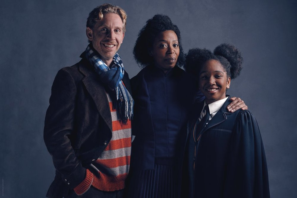 first-photos-of-ron-hermione-and-their-daughter-in-harry-potter-and-the-cursed-child
