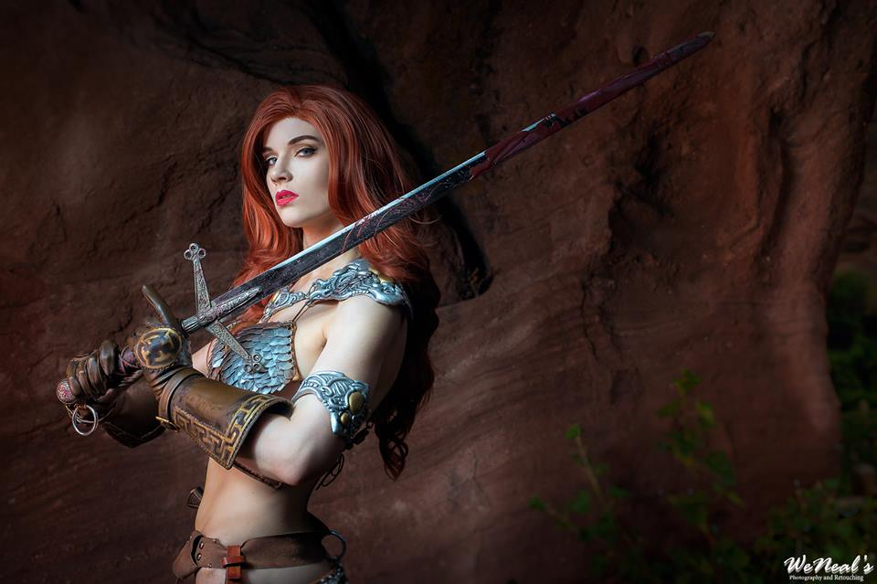 stunning-red-sonya-cosplay-based-on-sideshow-collectibles-figure1