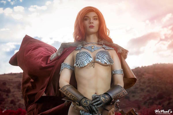 stunning-red-sonya-cosplay-based-on-sideshow-collectibles-figure4