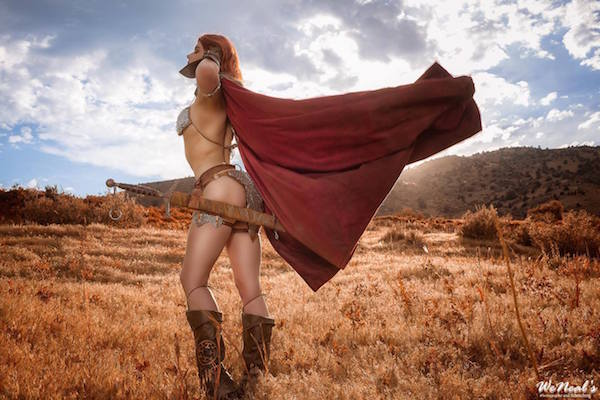 stunning-red-sonya-cosplay-based-on-sideshow-collectibles-figure7