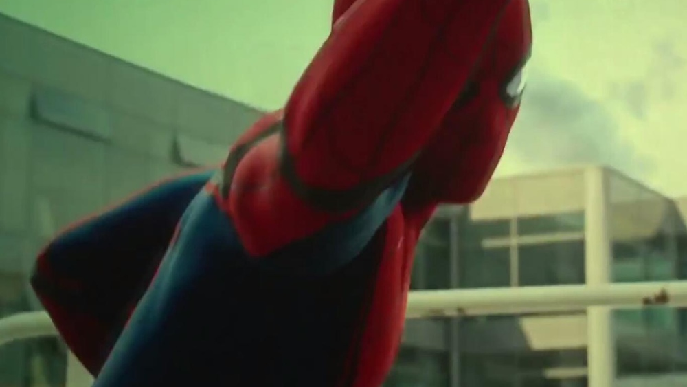 new-set-photos-of-spider-man-hanging-around-the-set-of-spider-man-homecoming1