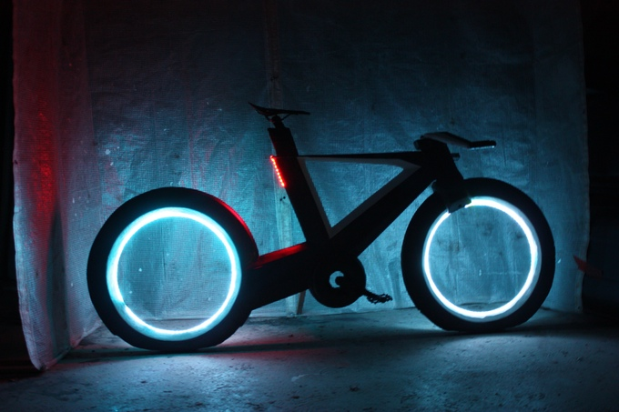 New Smart Bicycle Concept Called CYCLOTRON Is Inspired By