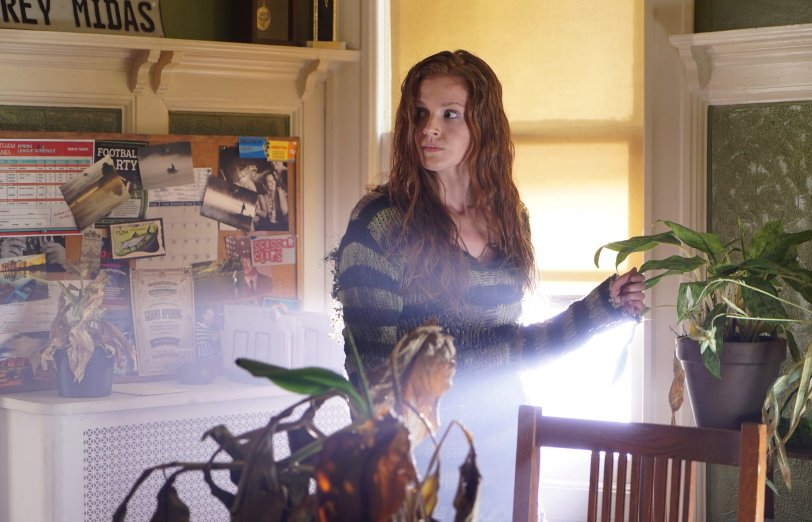 first-look-at-the-older-poison-ivy-from-gotham-season-33