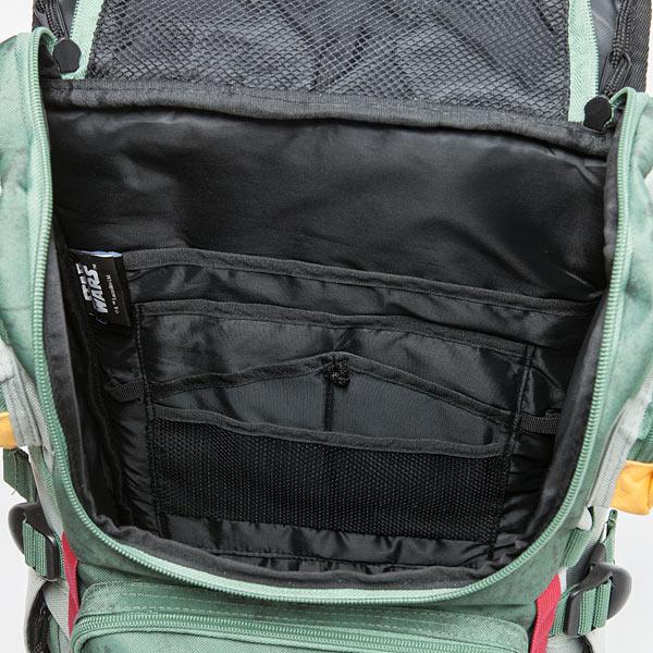iunm_boba_fett_armor_backpack_det3.jpg