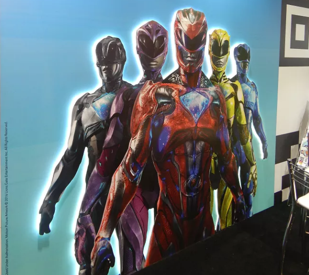 new-image-from-the-power-rangers-movie-of-the-team-in-full-costume2