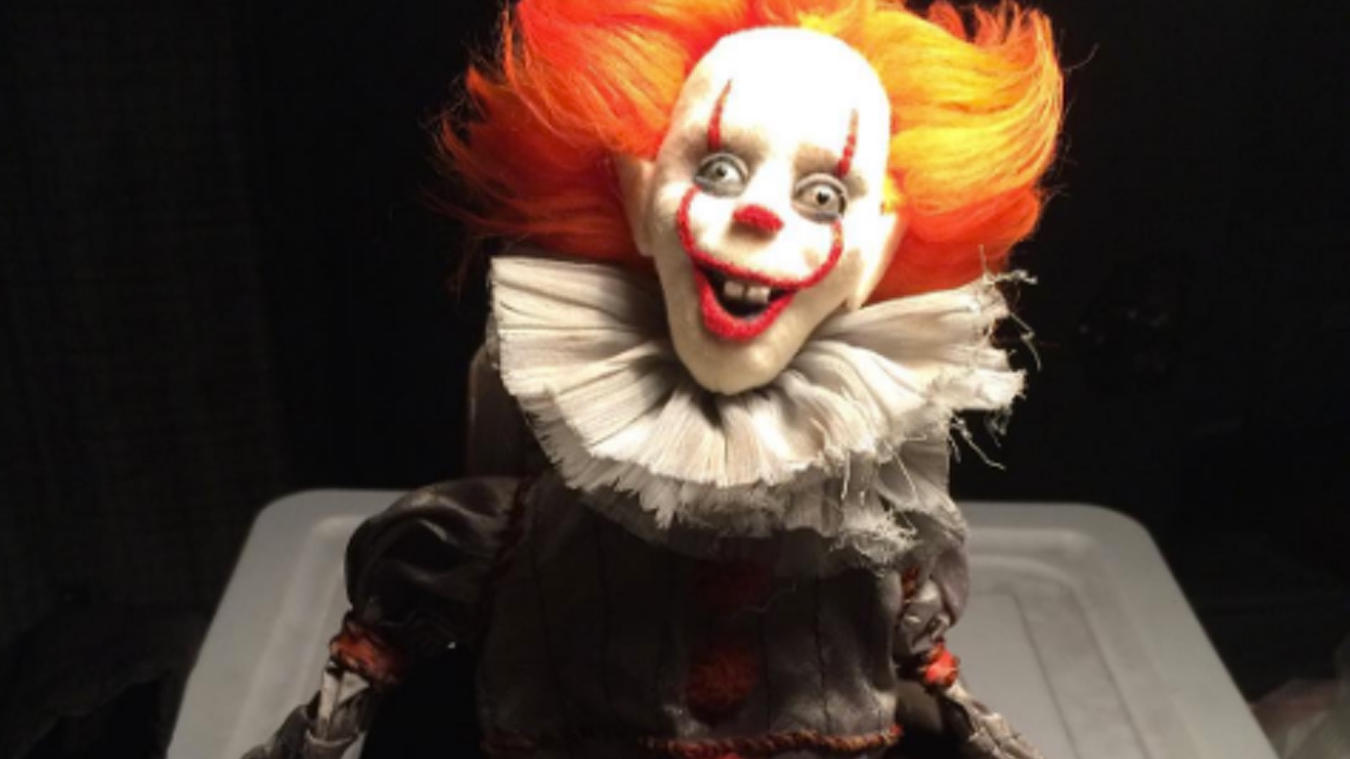 Creepy-Ass Pennywise the Clown Jack-in-the-Box Revealed as IT  sc 1 st  GeekTyrant & This Pennywise The Clown Halloween Animatronic Prop is What ...