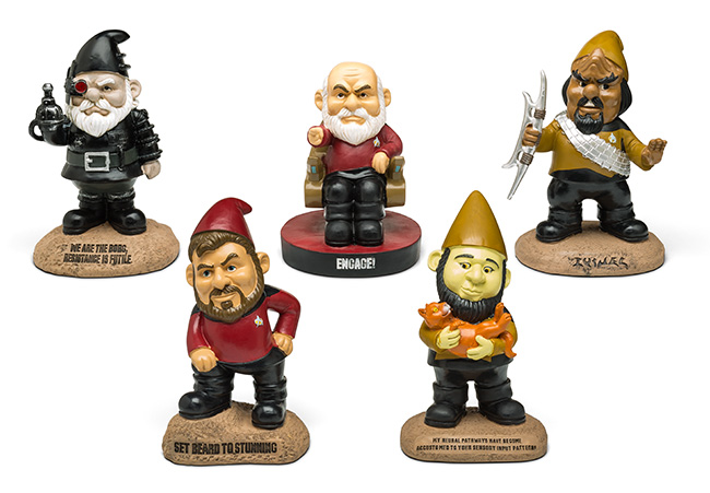 these-star-trek-the-next-generation-garden-gnomes-is-what-your-yard-needs2