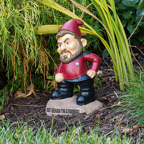 these-star-trek-the-next-generation-garden-gnomes-is-what-your-yard-needs4