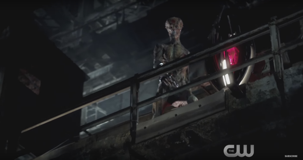 first-look-at-deathstroke-and-the-dominators-in-the-cw-dc-series-crossover-promo-spot1