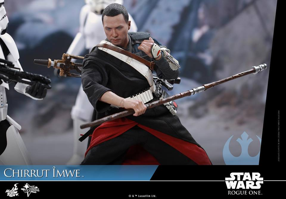hot-toys-star-wars-rogue-one-chirrut-mwe-action-figure-is-awesome1