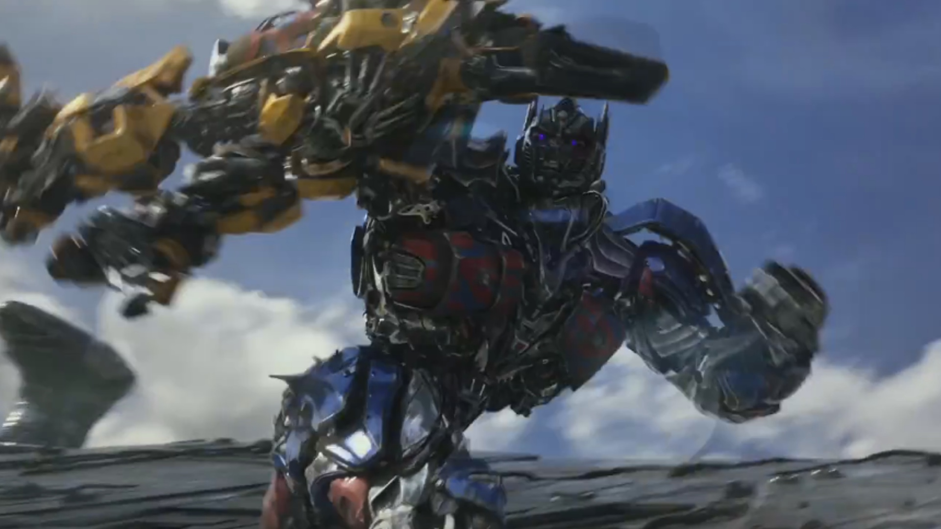 optimus prime fights bumblebee in first trailer for transformers