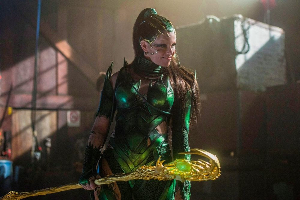 new-power-rangers-poster-features-zords-and-a-new-image-of-rita-repulsa2