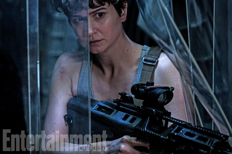 photo-from-alien-covenant-gives-us-a-new-look-at-katherine-waterston1