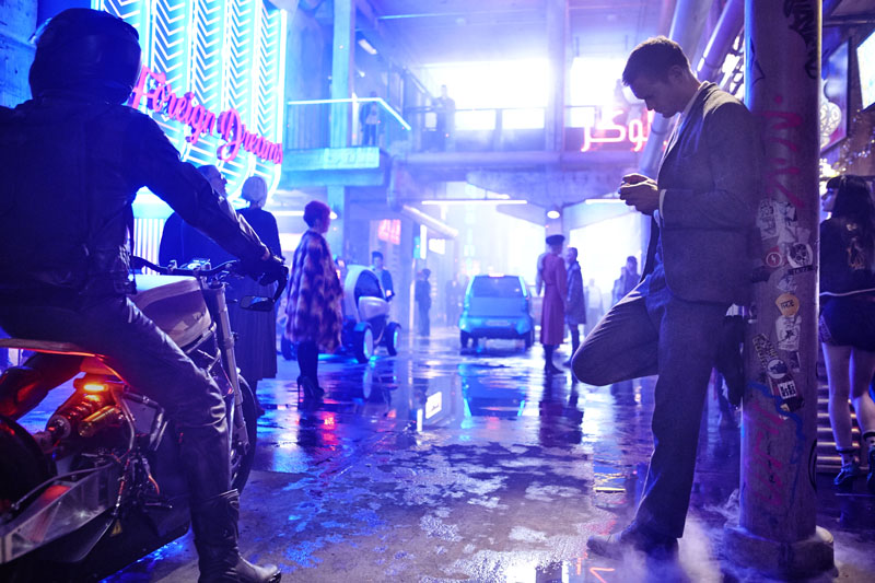 first-look-at-duncan-jones-sci-fi-noir-film-mute-with-paul-rudd-and-alexander-skarsgrd