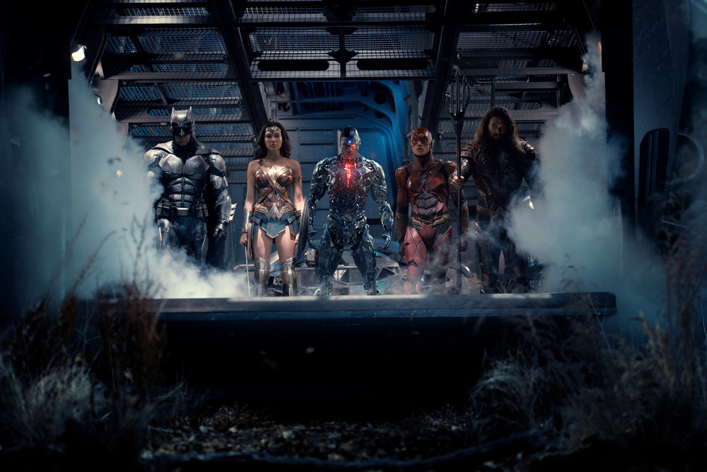 batman-wonder-woman-cyborg-the-flash-and-aquaman-unite-in-new-justice-league-photo