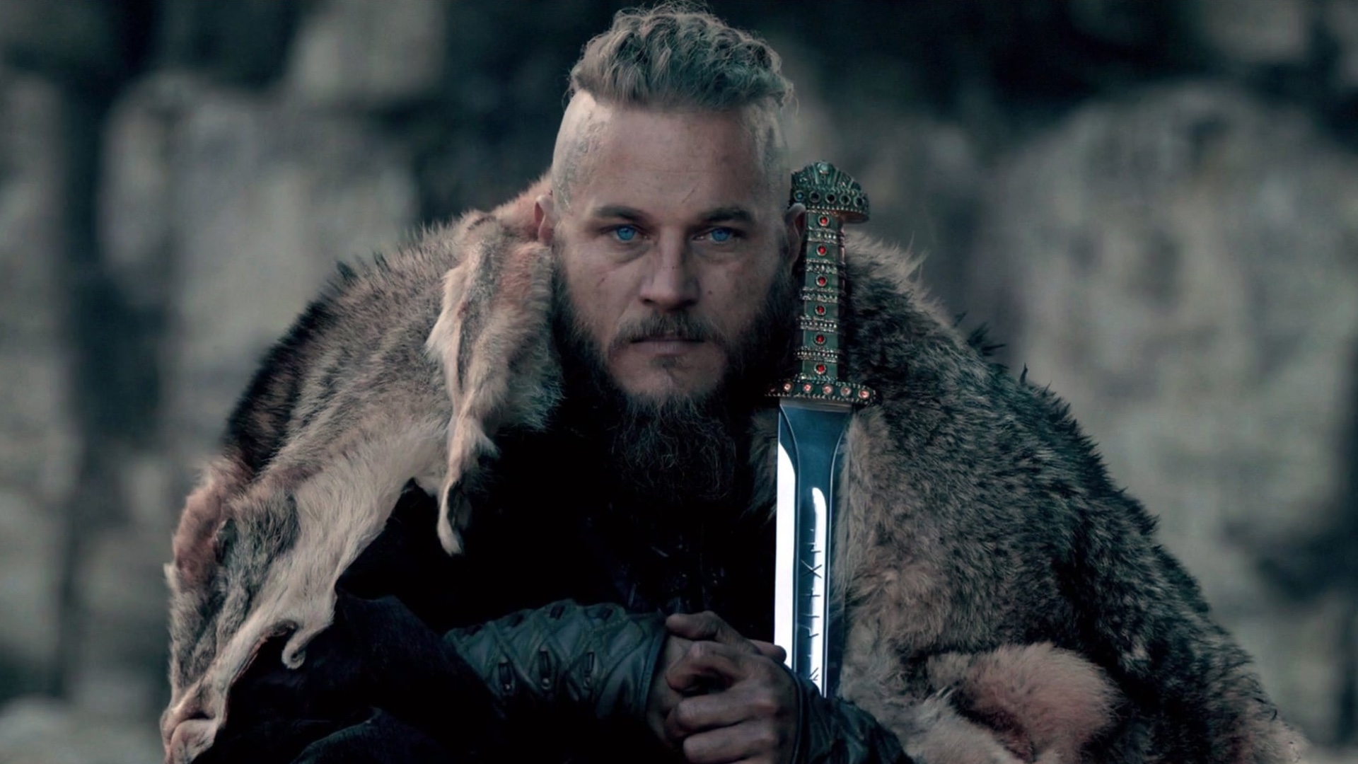 vikings star travis fimmel developing wyatt earp series for history