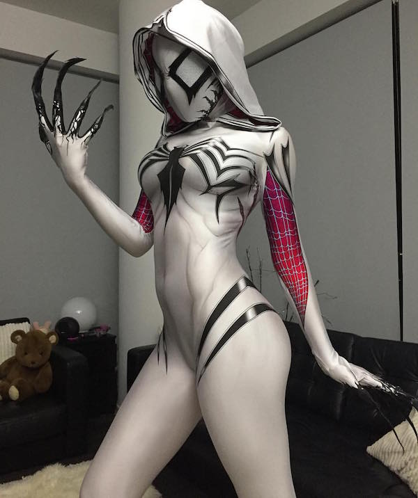 badass-spider-gwen-and-venom-cosplay-mashup-gwenom