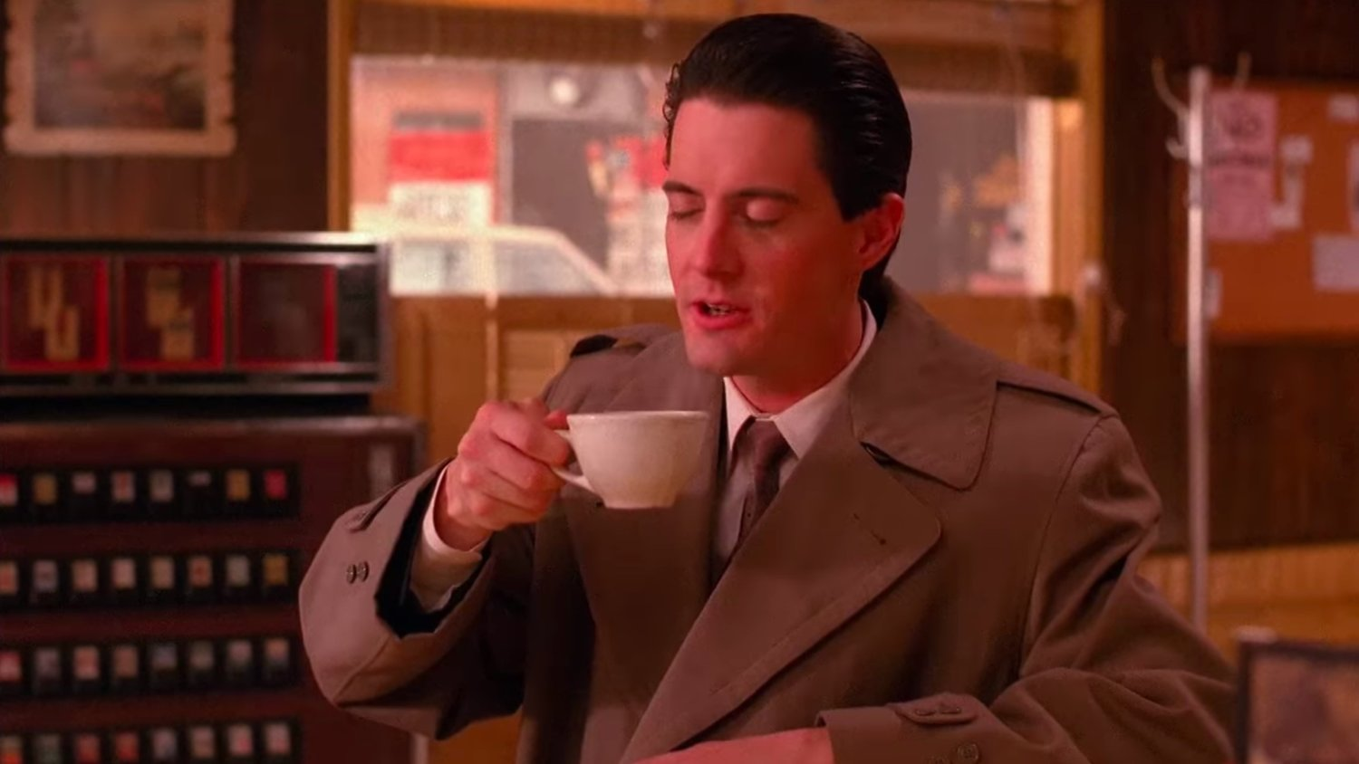 The New TWIN PEAKS Promo Spot Is a Damn Good Coffee Supercut