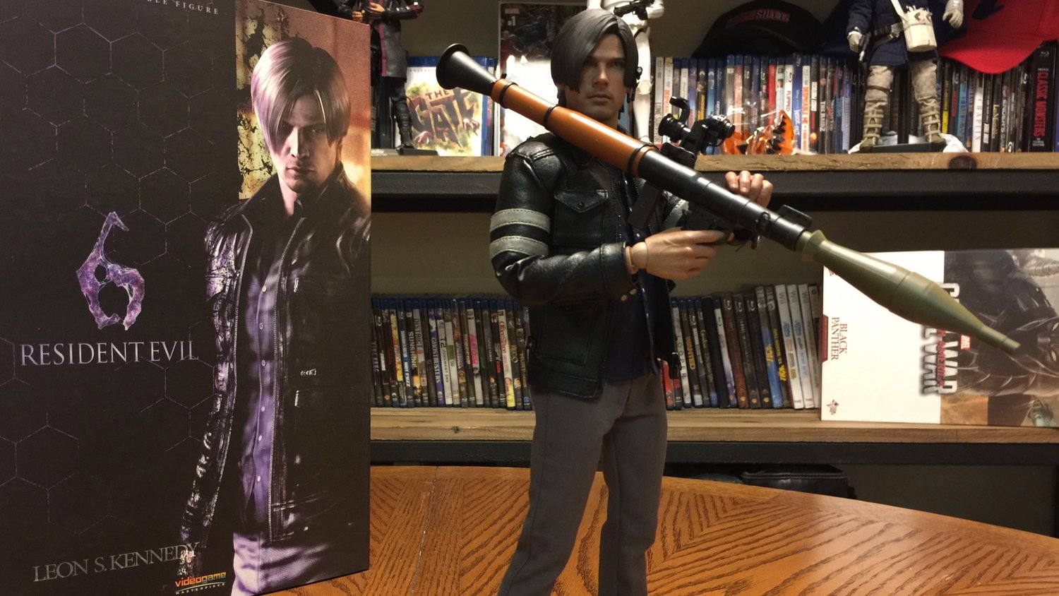 RESIDENT EVIL 6 Leon S. Kennedy Action Figure Review - Sideshow Collectibles