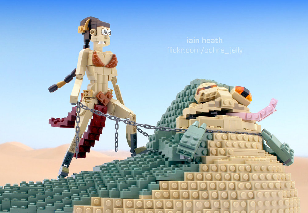princess-leia-amusingly-chokes-out-jabba-the-hutt-in-star-wars-lego-build2