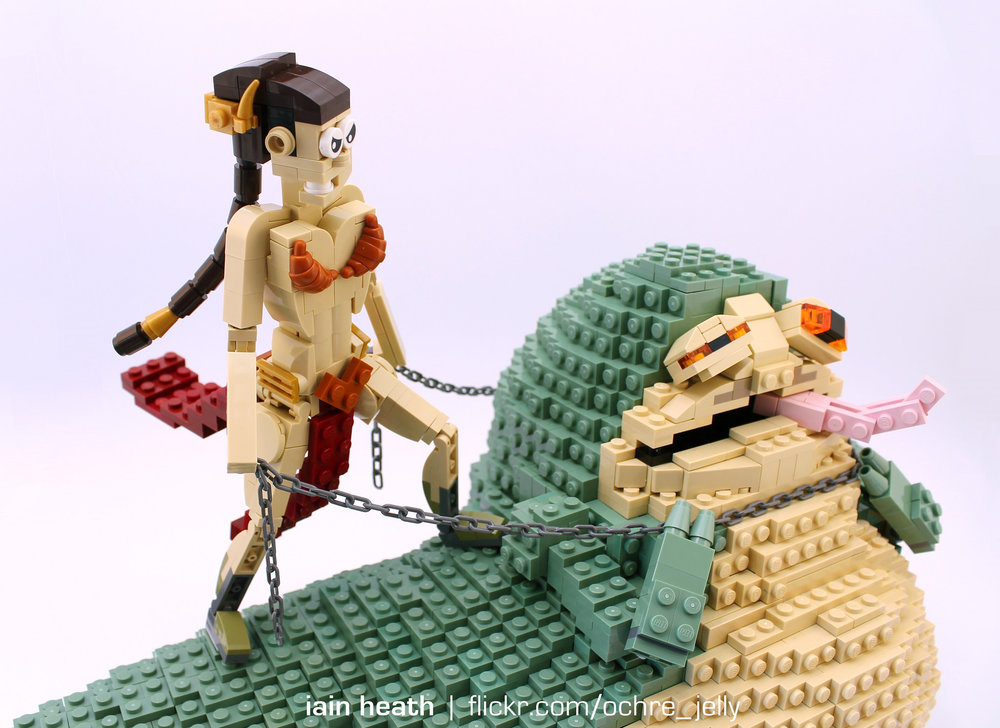 princess-leia-amusingly-chokes-out-jabba-the-hutt-in-star-wars-lego-build3