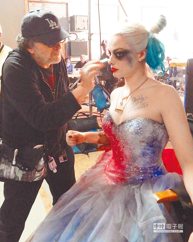 See harley quinn in a wedding dress in suicide squad photo for Harley quinn wedding dress