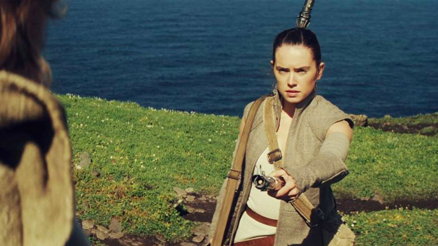 Disney Screens STAR WARS: THE LAST JEDI Footage for Shareholders, and It May Prove Something About Rey's Parents