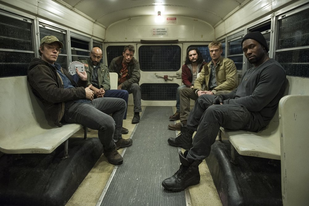 the-predator-gets-another-cast-photo-and-it-include-thomas-jane-and-alfie-allen1