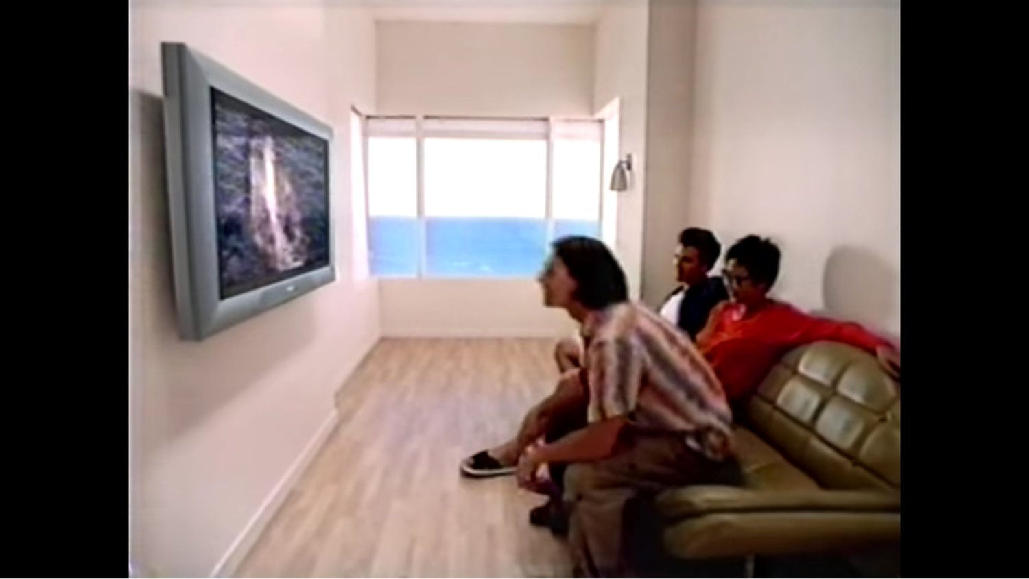 Flashback: Here's One of the First Ads for a Flat Screen TV in 1998