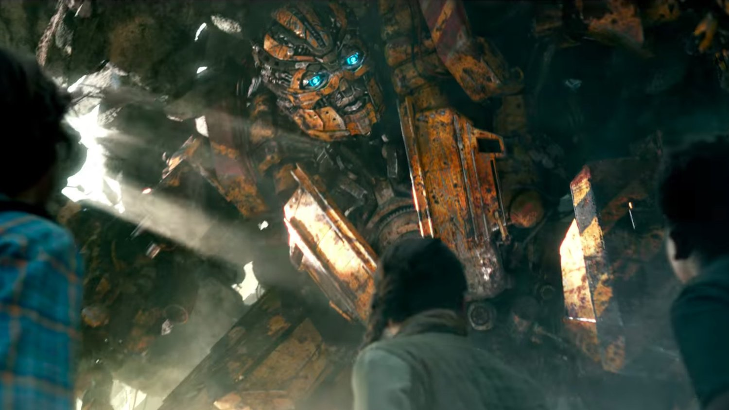 TRANSFORMERS: THE LAST KNIGHT Clip and TV Spot Feature Kids on the Run and Grimlock Coughing Up Cars