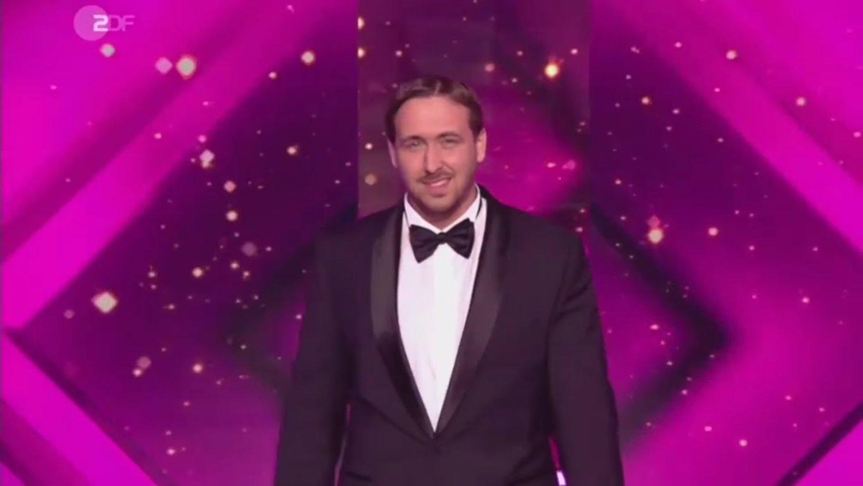 Watch: Ryan Gosling Impersonator Mistakenly Gets Award for LA LA LAND at German Award Show