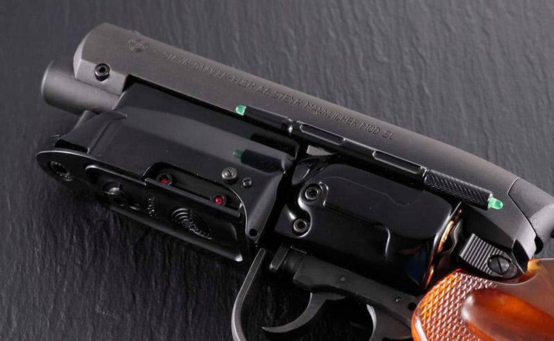Badass Tomenosuke 2049 Blade Runner Blaster Prop Replica