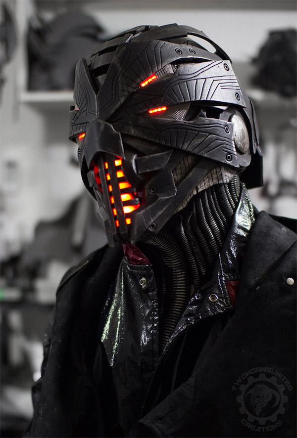 two_horns_erebus_helmet_mask_1.jpg