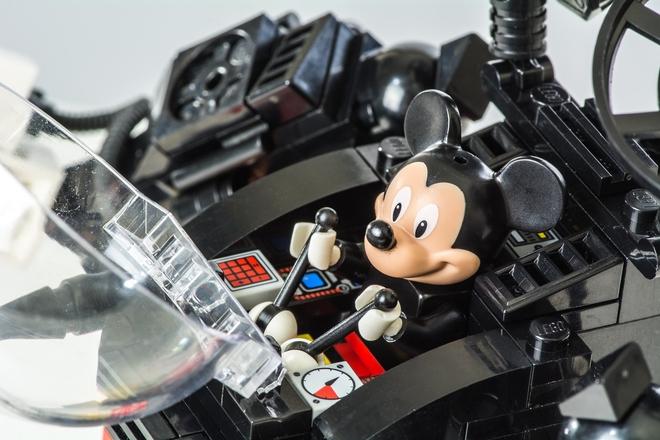 Mickey mech 3.jpg