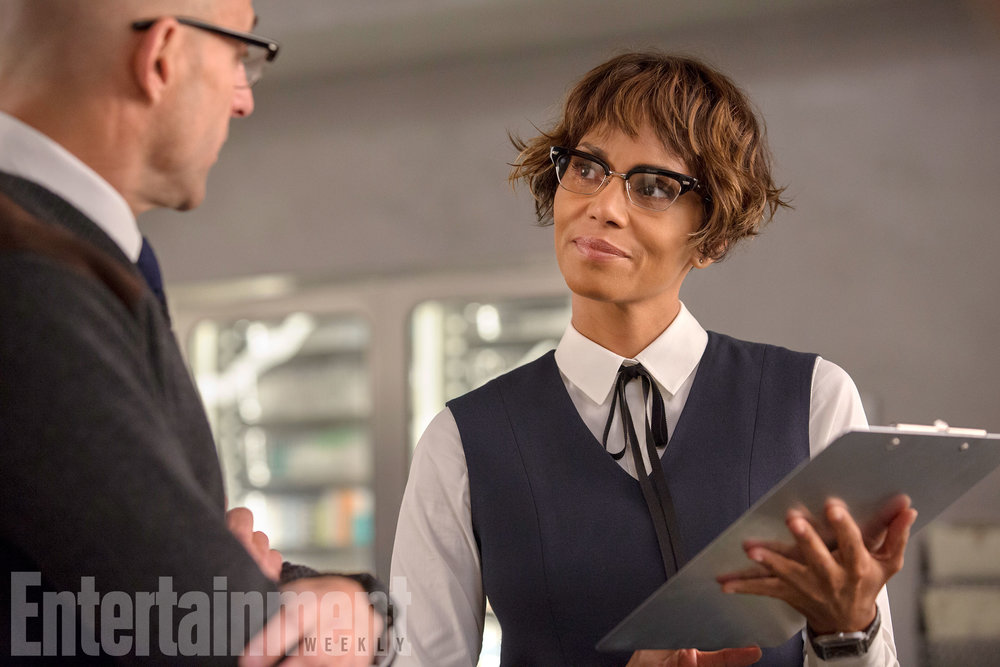 new-kingsman-the-golden-circle-photos-give-us-a-first-look-at-channing-tatum-jeff-bridges-and-halle-berry4