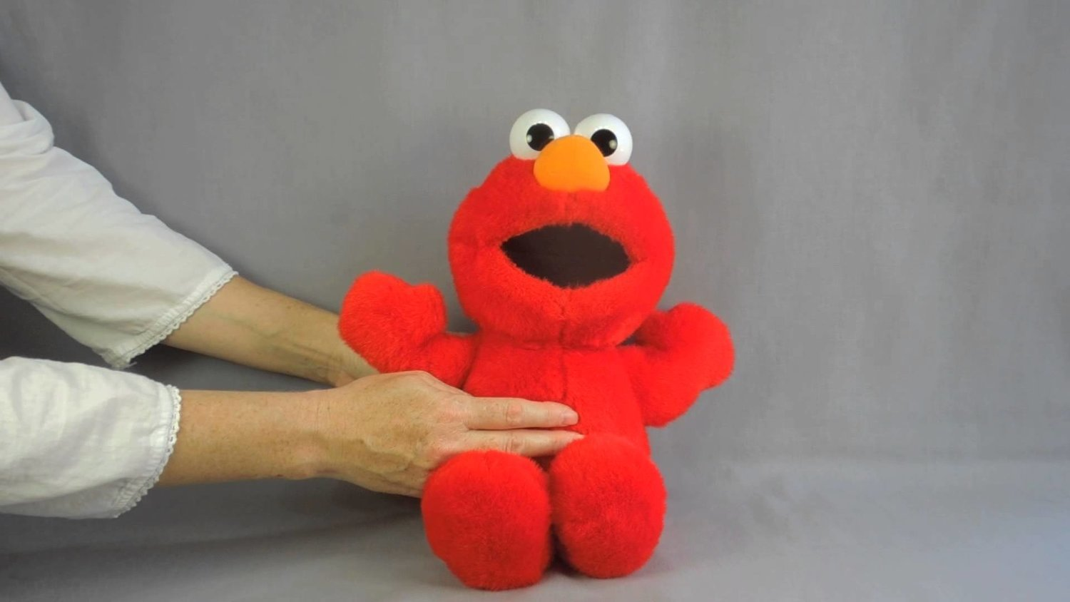 Watching A Furless TICKLE ME ELMO In Action Is A Real Life Nightmare