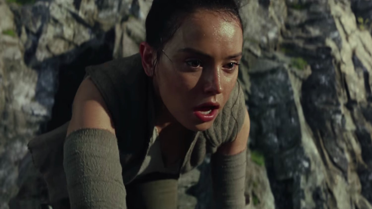 30 Screenshots From the First Trailer for STAR WARS: THE LAST JEDI