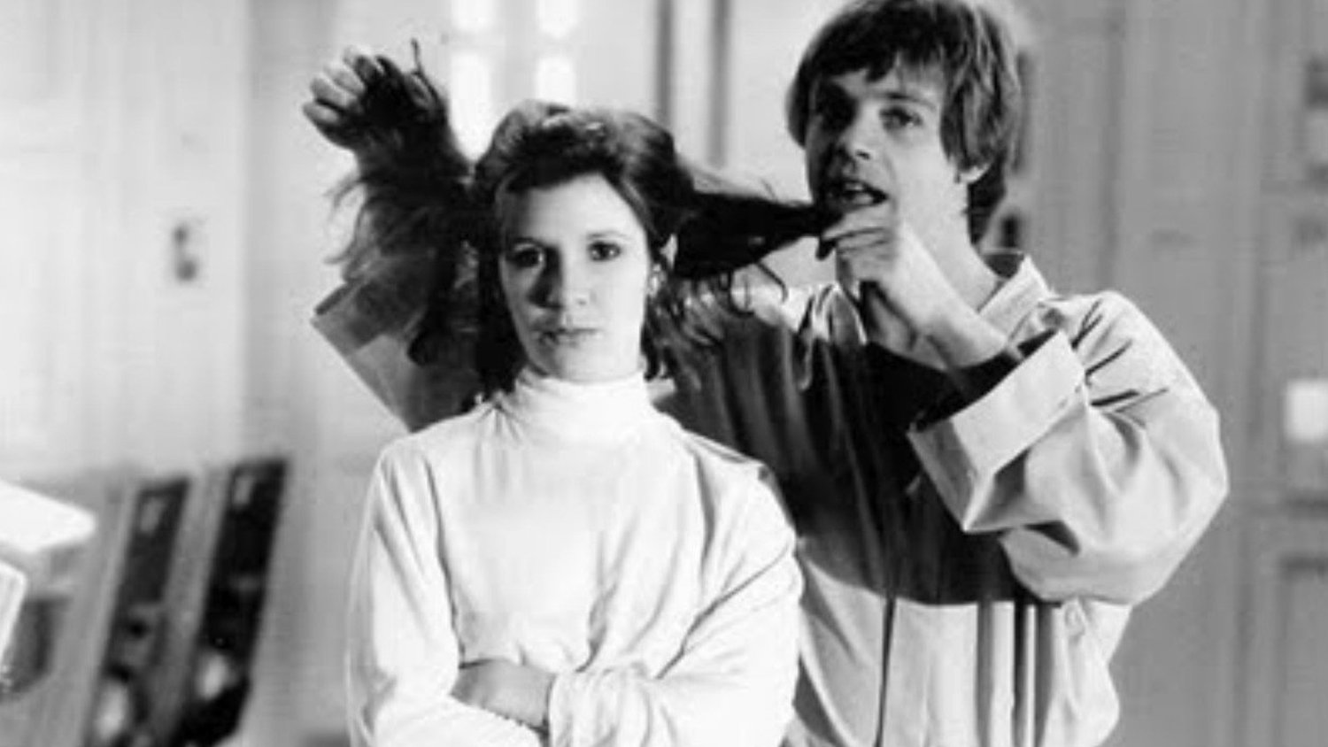 Watch the Full Panel For Mark Hamill's Tribute to Carrie Fisher From Star Wars Celebration