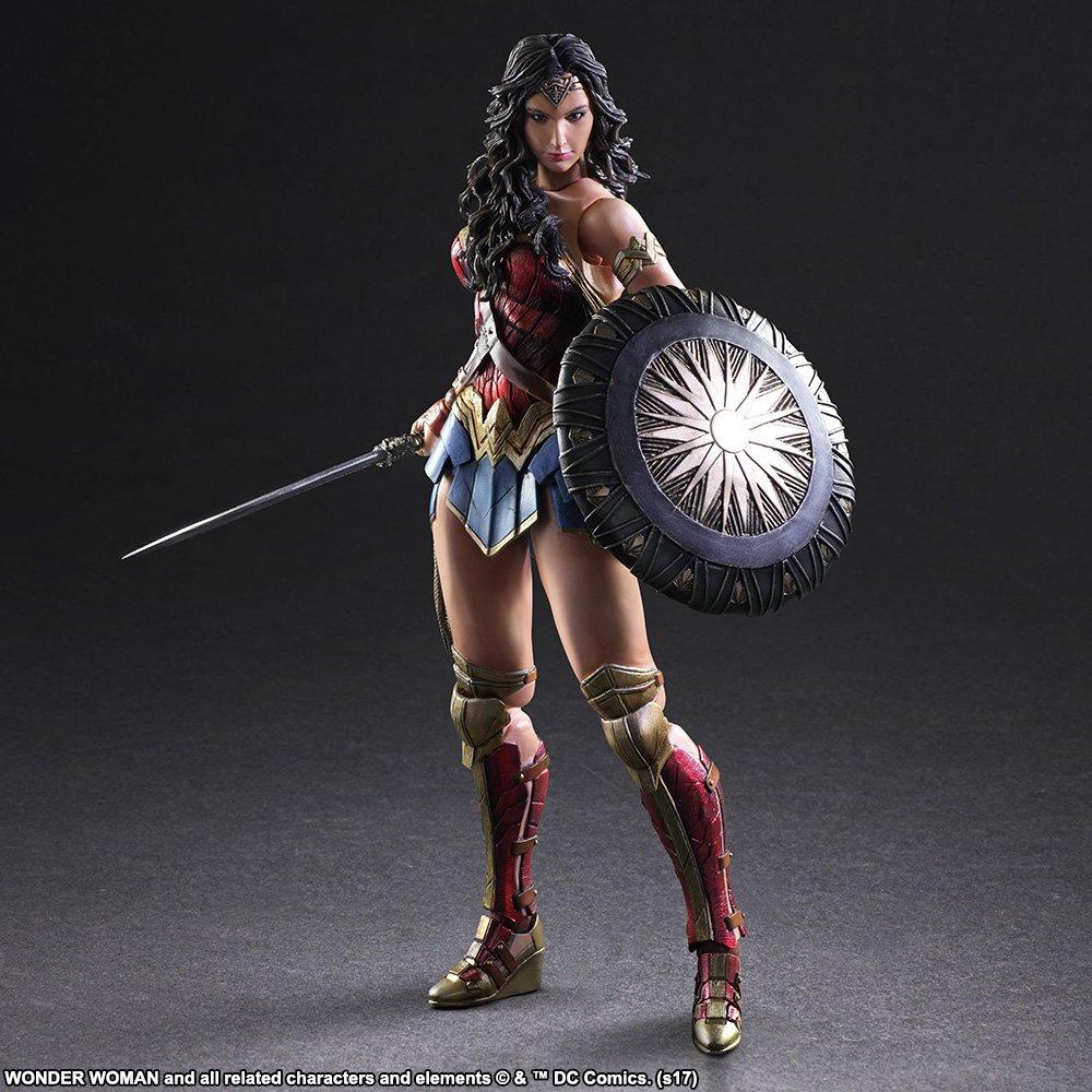 Wonder-Woman-Play-Arts-Kai-003.jpg