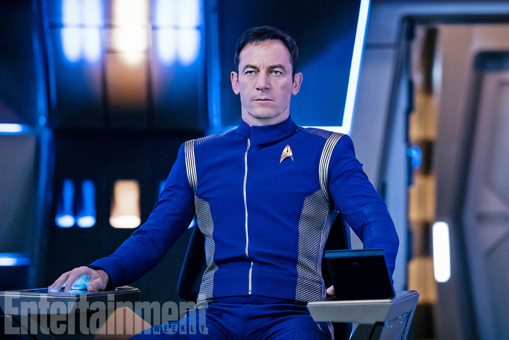 first-photo-of-jason-isaacs-as-captain-lorca-in-star-trek-discovery1