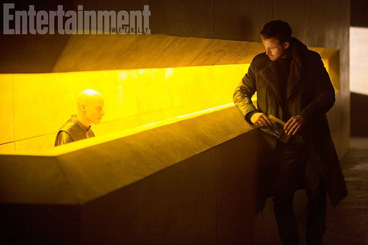 striking-new-photos-from-blade-runner-2049-and-the-importance-of-the-films-detail-is-discussed1
