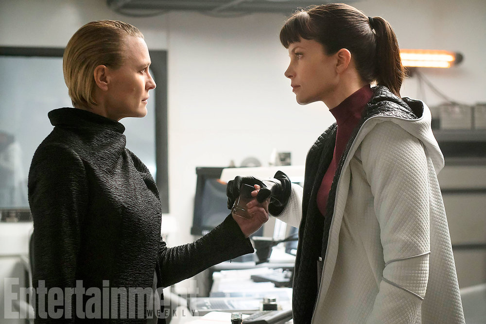 striking-new-photos-from-blade-runner-2049-and-the-importance-of-the-films-detail-is-discussed7